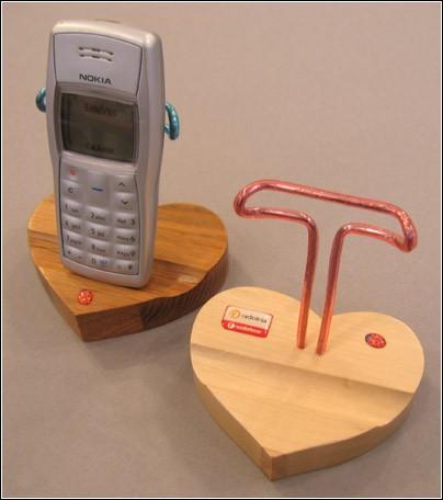 Подставки под мобильный телефон своими руками