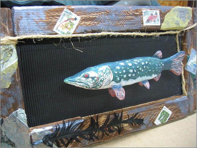 панно из дерева рыбалка